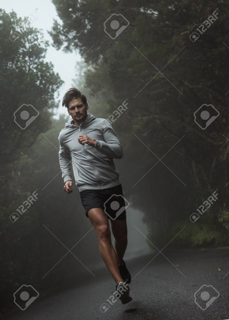 Portrait of a handsome, young jogger - 91658518