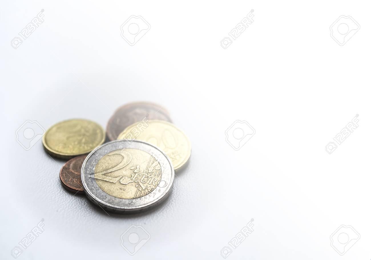 Mehrere Euro Münzen Auf Hellem Unscharfem Hintergrund Zwei Euro