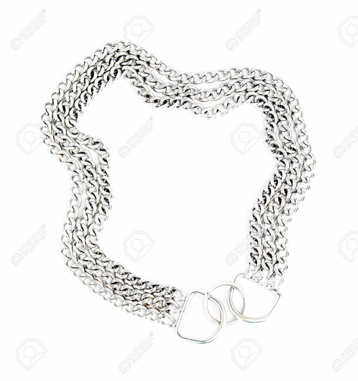 Foto de archivo , El perro un collar de gruesas cadena para perros grandes aislados en un fondo blanco.