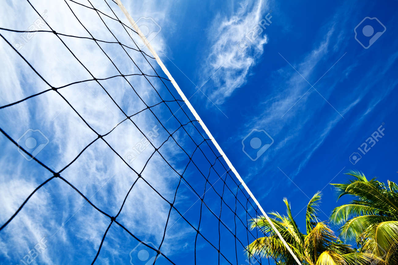Volleyball net on a island in the Indian Ocean, Maldives Stock Photo - 13220128