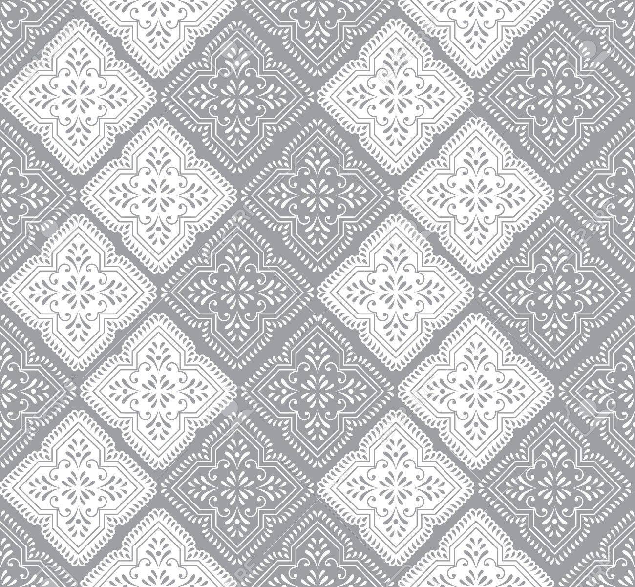 Seamless paisley wallpaper in silver Stock Vector - 16489651