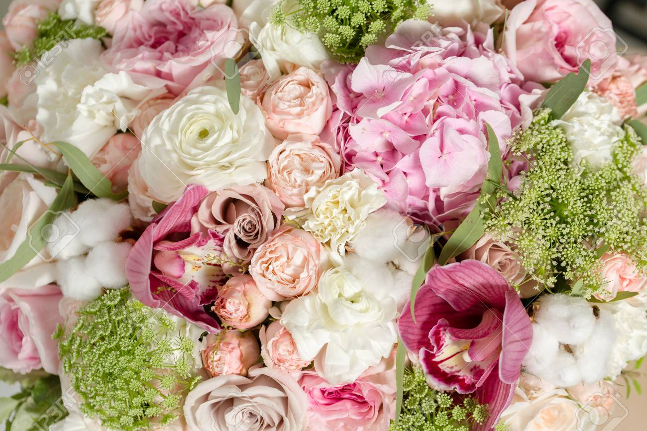 Luxury bouquets of mix flowers in the hat box closeup stock photo luxury bouquets of mix flowers in the hat box closeup stock photo 88070786 izmirmasajfo Choice Image