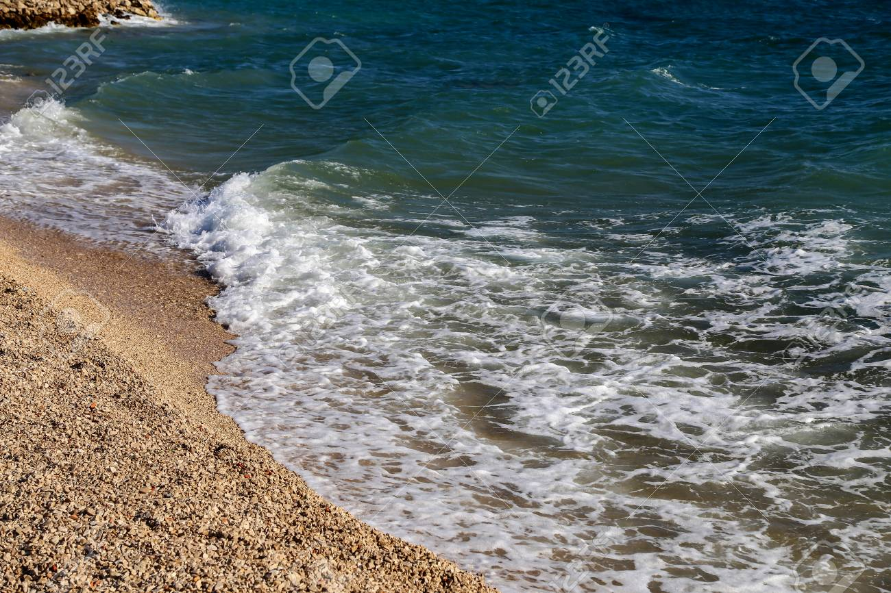 Seascape / Adriatic / Sea waves Standard-Bild - 86671735