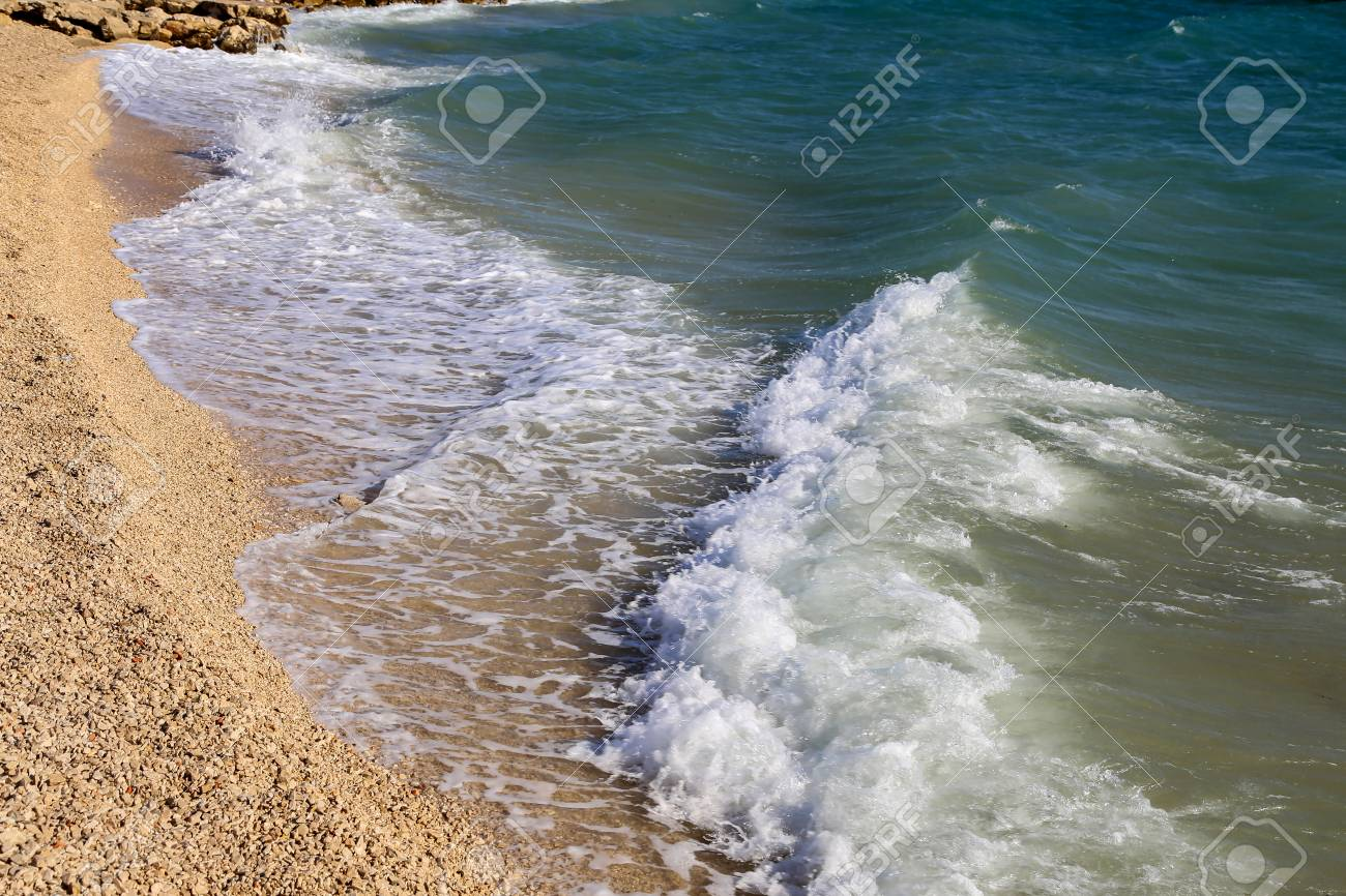 Seascape / Adriatic / Sea waves Standard-Bild - 86671736