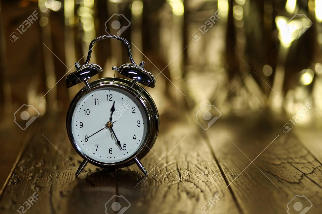 Alarm Clock  Composition with old alarm clock Standard-Bild - 87954884