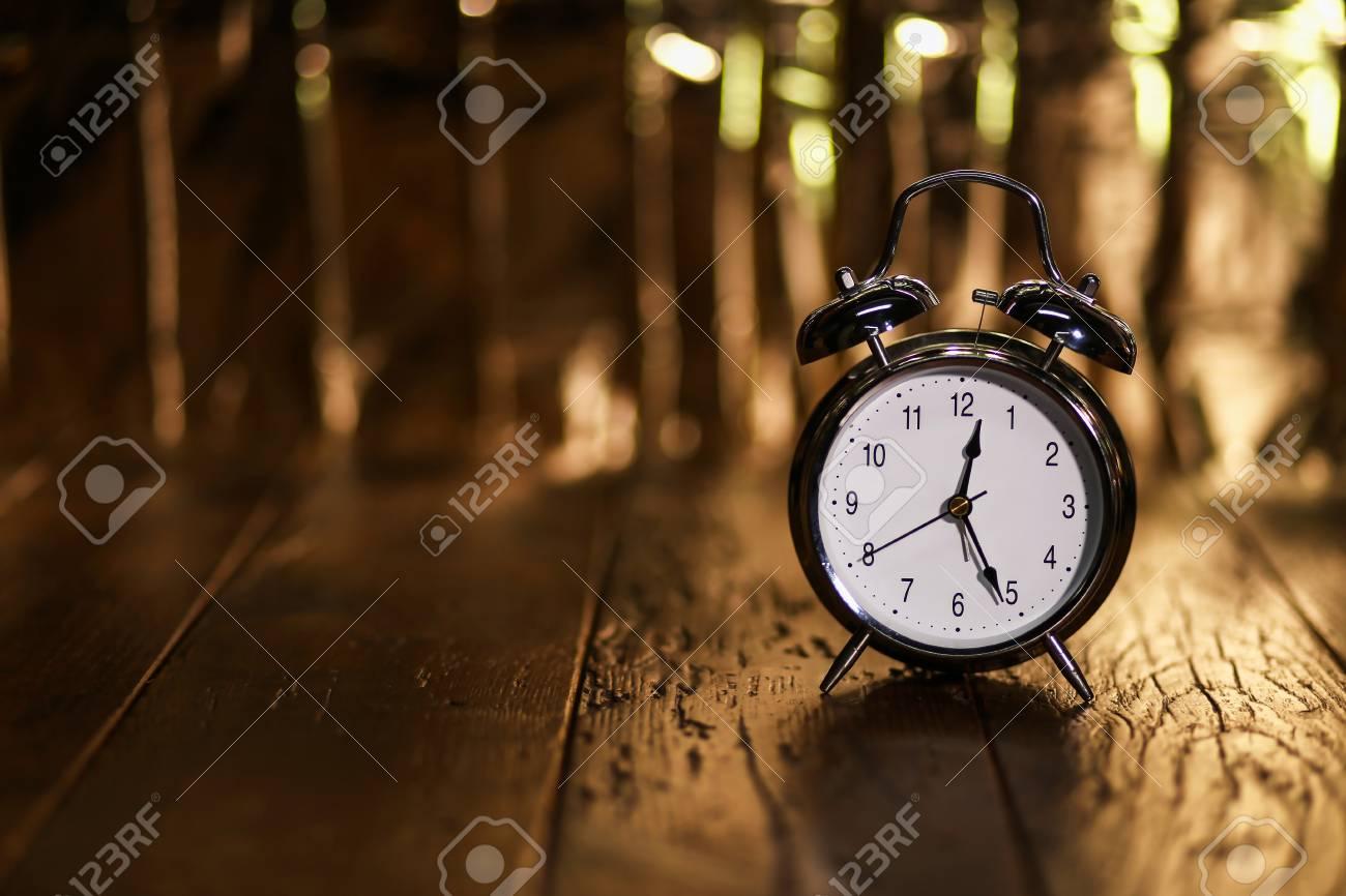Alarm Clock  Composition with old alarm clock Standard-Bild - 87945409