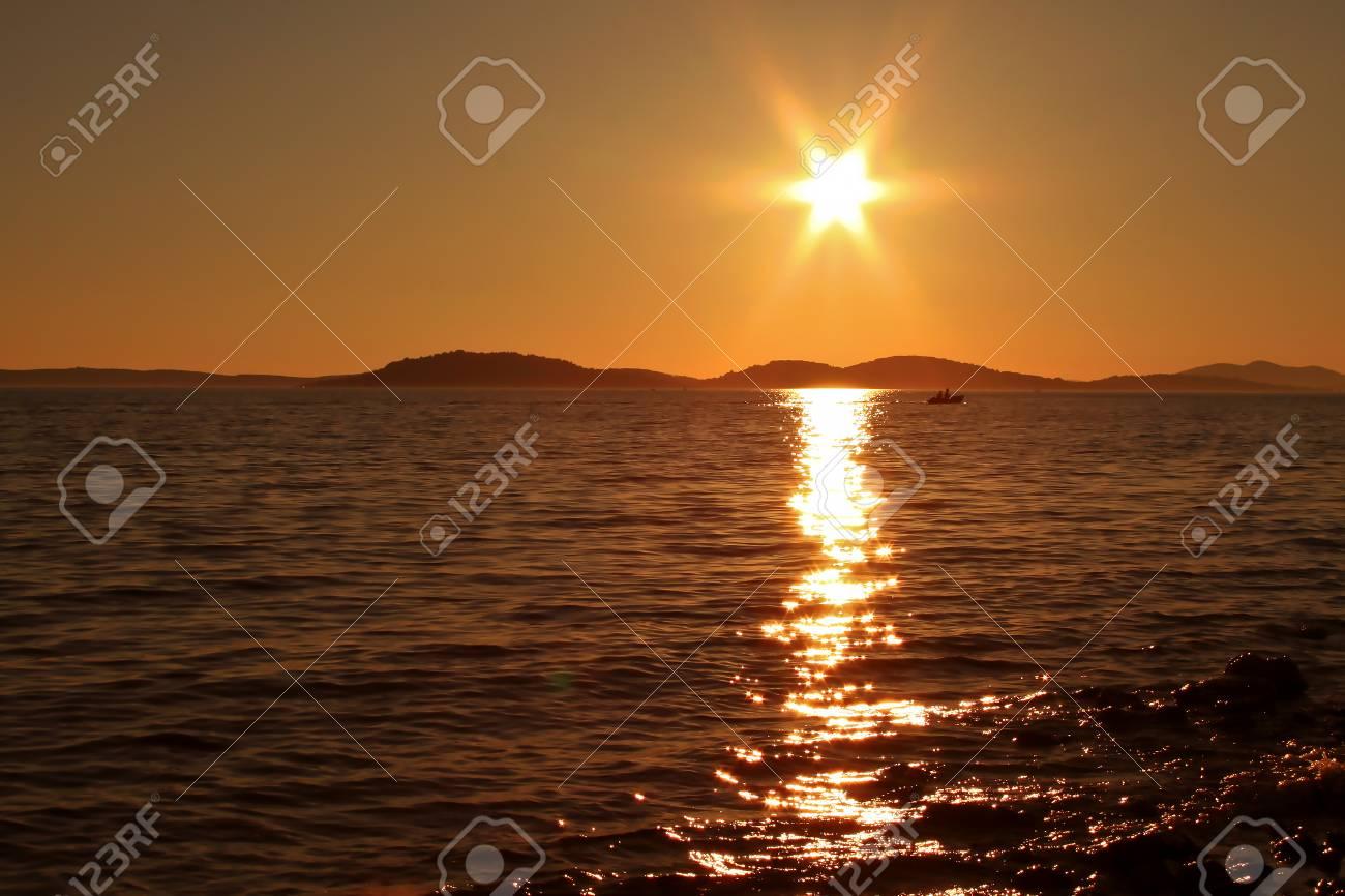 Summer Landscape / Sunset on the Adriatic Sea Standard-Bild - 92980249