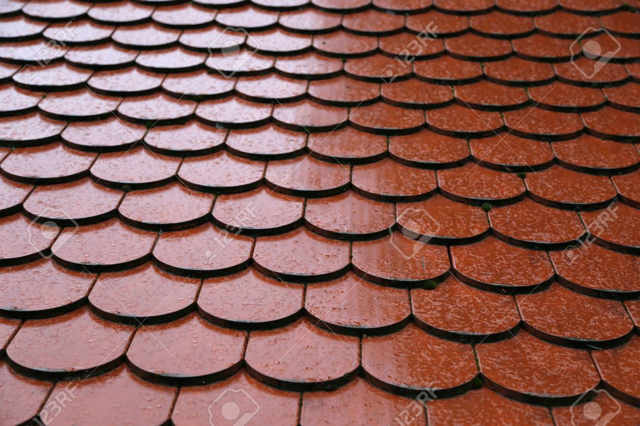 Roof tiles on the roof Background of brick wall texture Standard-Bild - 92783385