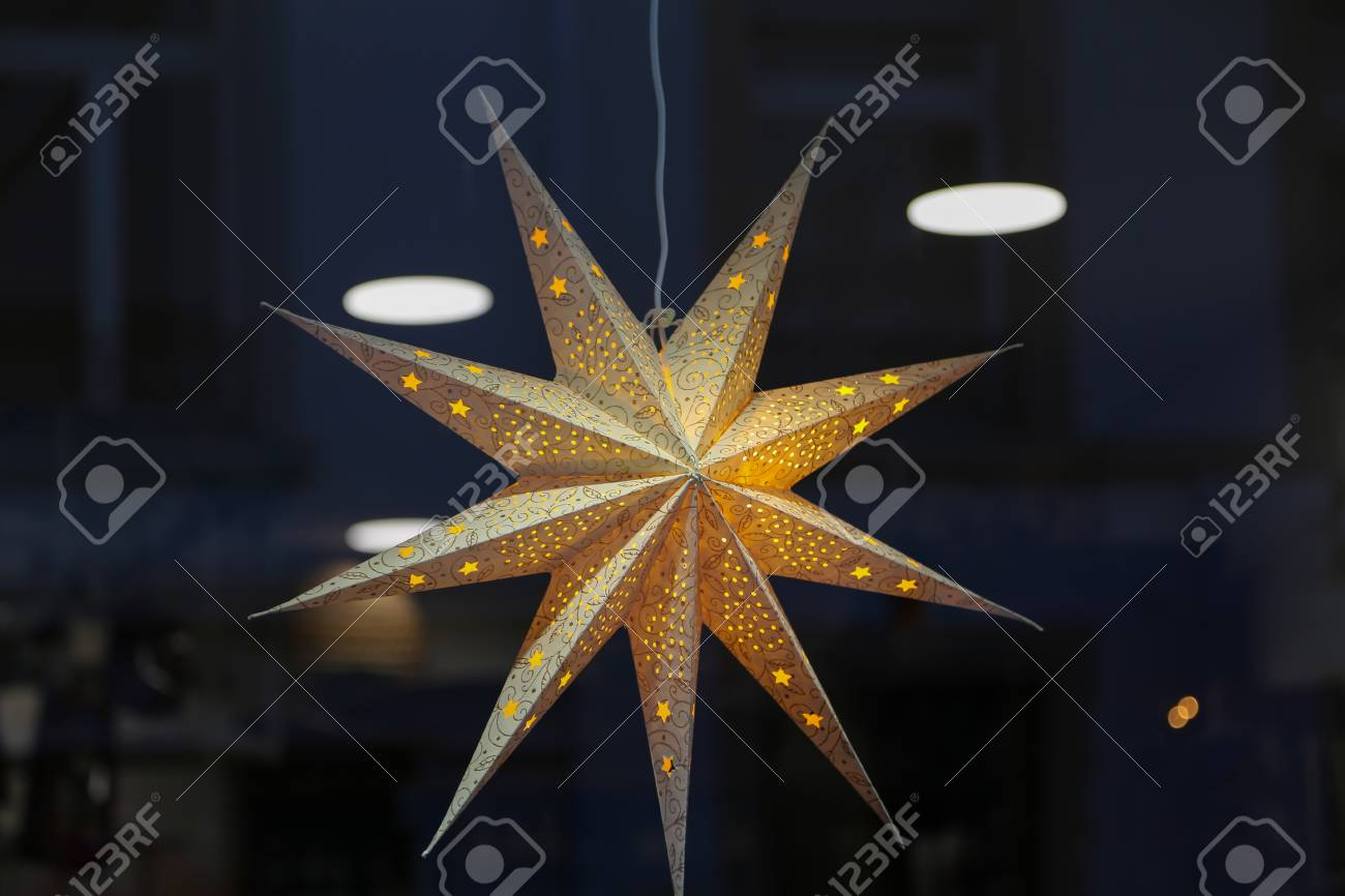 Star lanterns, A background of star lanterns Standard-Bild - 92928888