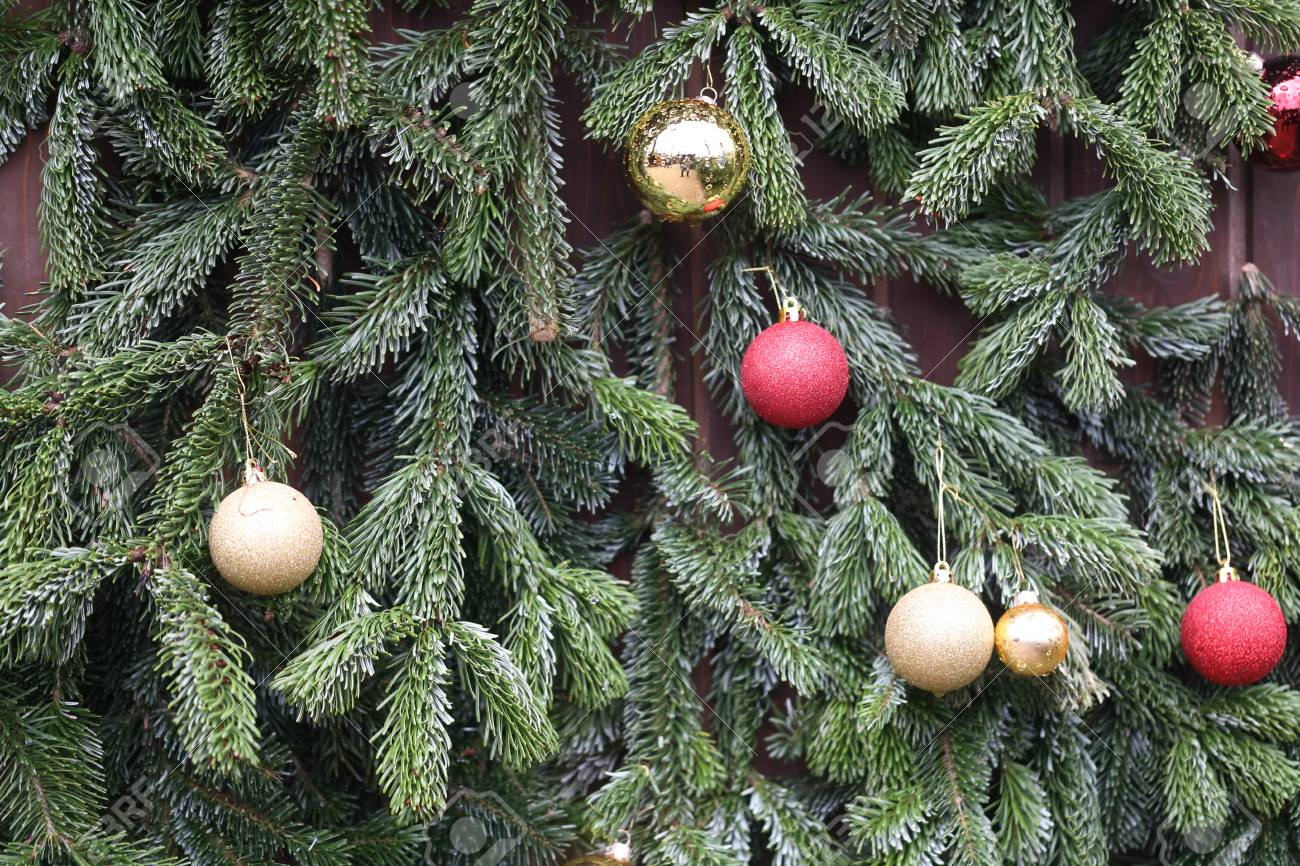 Beautiful Christmas and New Years scene Standard-Bild - 92985387