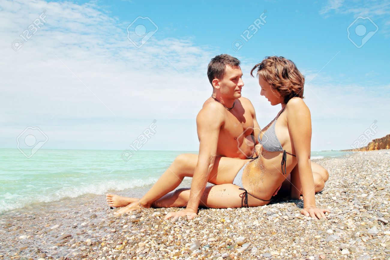 devki-seks-na-plyazhe