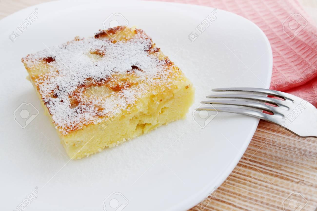 Einfache Dessert Auflauf Mit Käse Und äpfeln Lizenzfreie Fotos