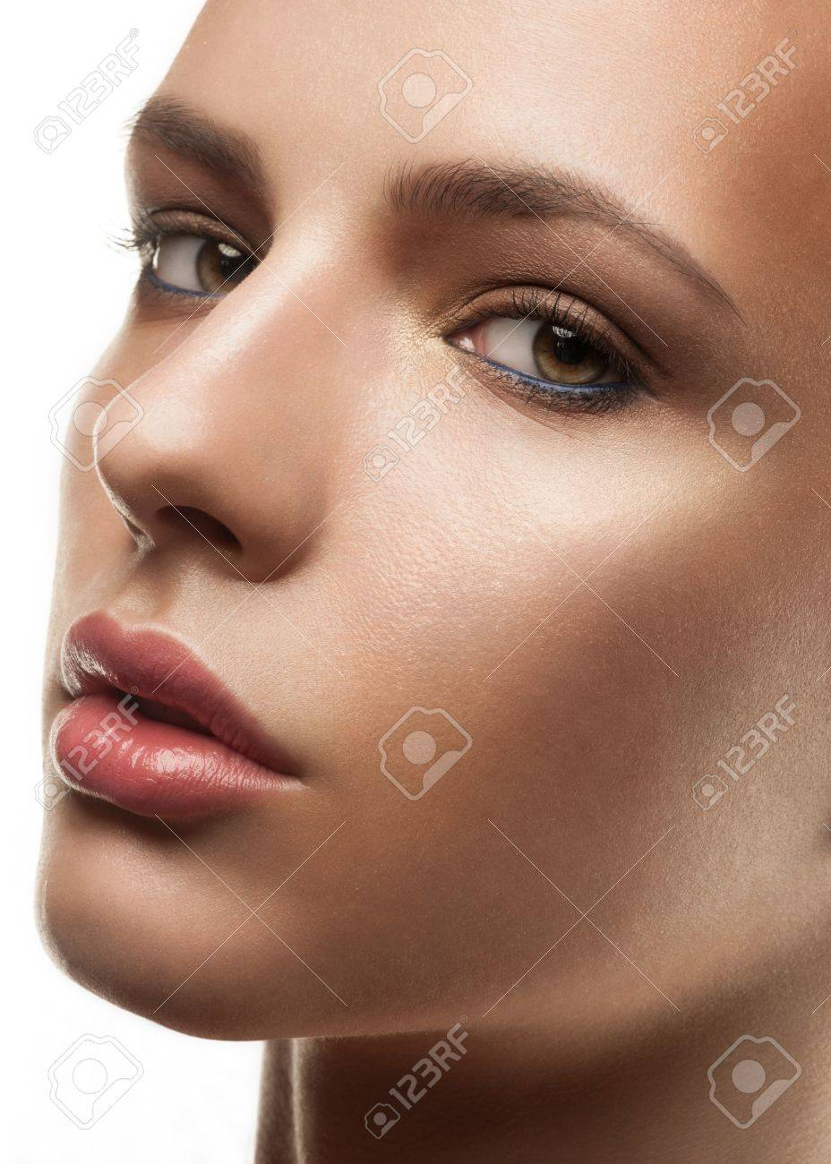 Closeup shot of attractive young woman with stylish makeup Stock Photo - 17255267