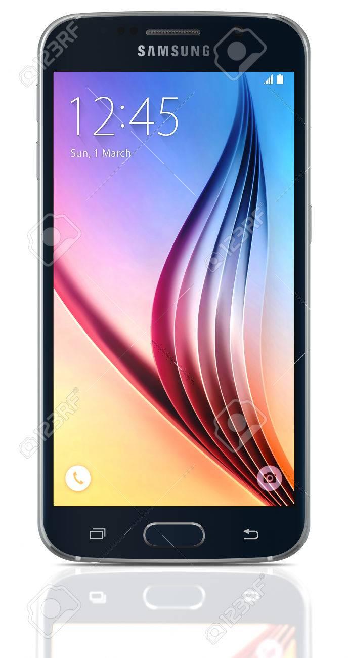 Black Sapphire Samsung Galaxy S6 Su Sfondo Bianco Il Telefono è Supportato Con 51 Schermo Touch Screen E Il 1440 X 2560 Pixel Di Risoluzione Il