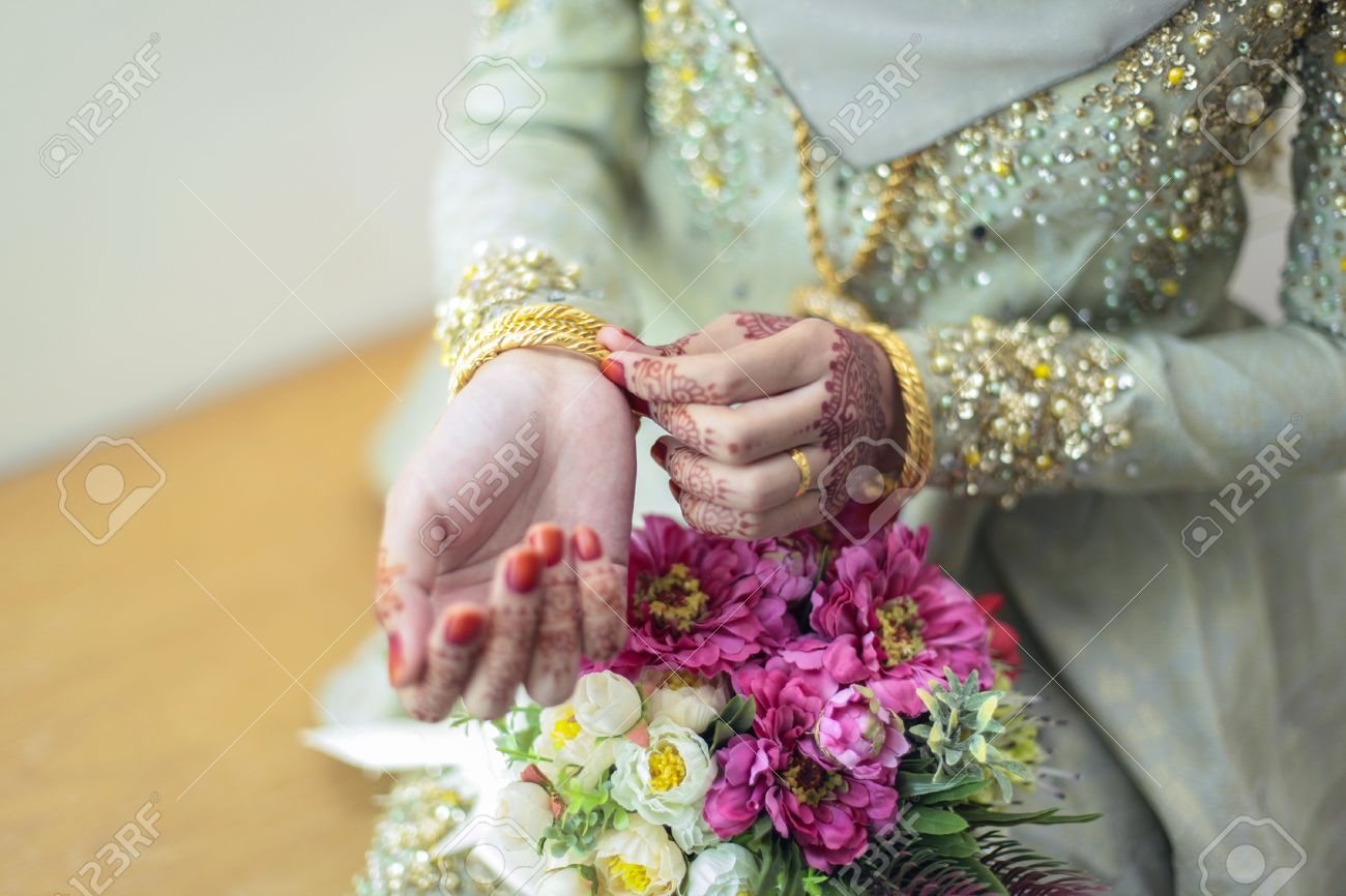 Graceful Poses Of Girls Hand Wearing Gold Bangles, With Beatiful ...