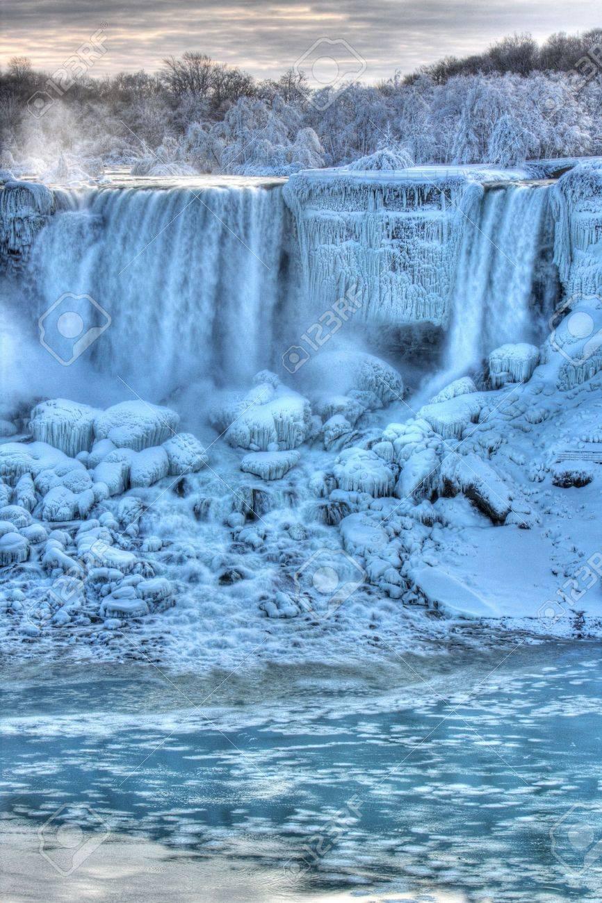 Niagara Falls in Winter American Falls Niagara Falls, Canada Stock Photo - 6221472