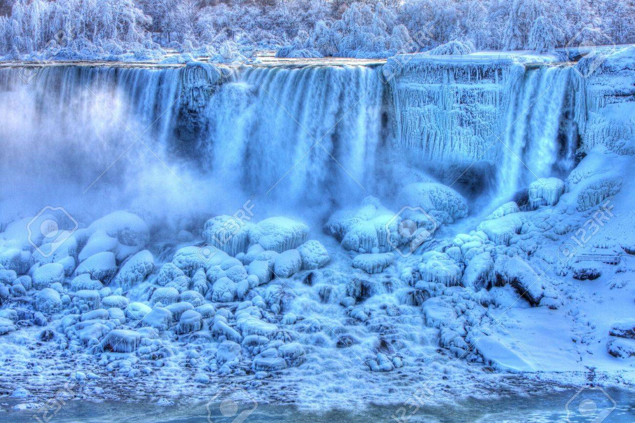 American Falls in Winter Niagara Falls, Canada Stock Photo - 6244896