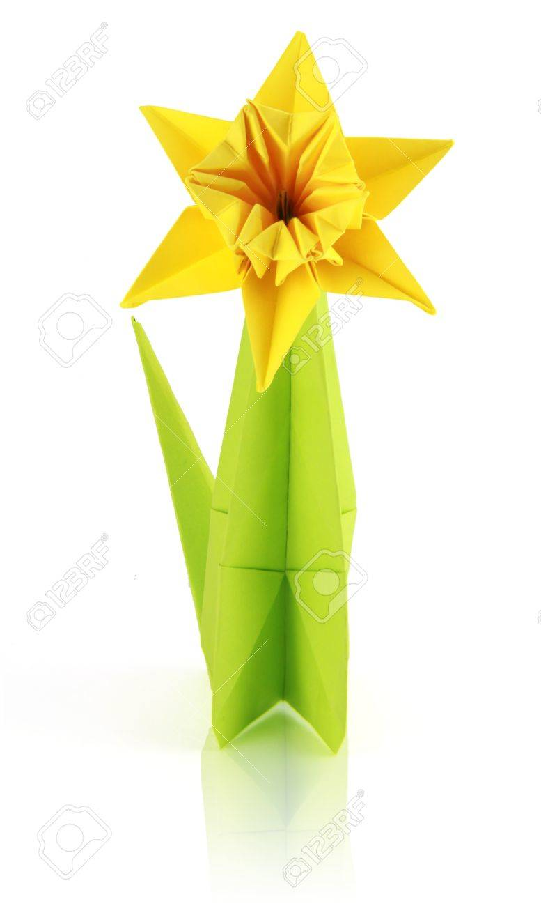 Origami yellow narcissus of paper on a white background Stock Photo - 18152495