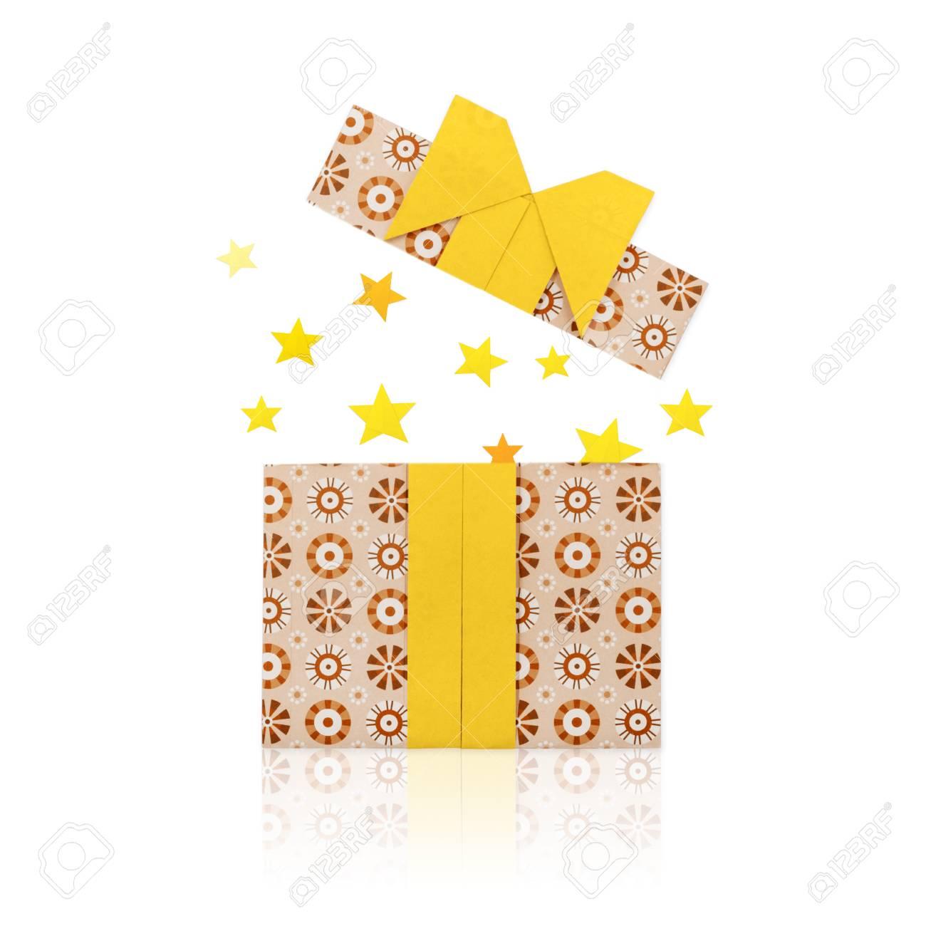 boîte cadeau en papier origami banque d'images et photos libres de