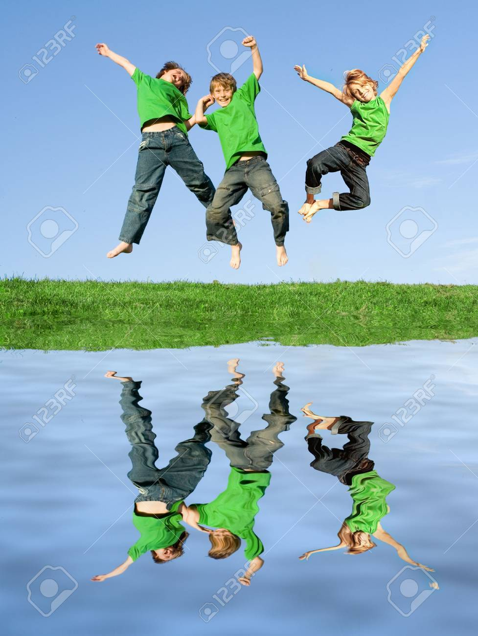 (only 2 children used in image so only 2 releases) Stock Photo - 2592591