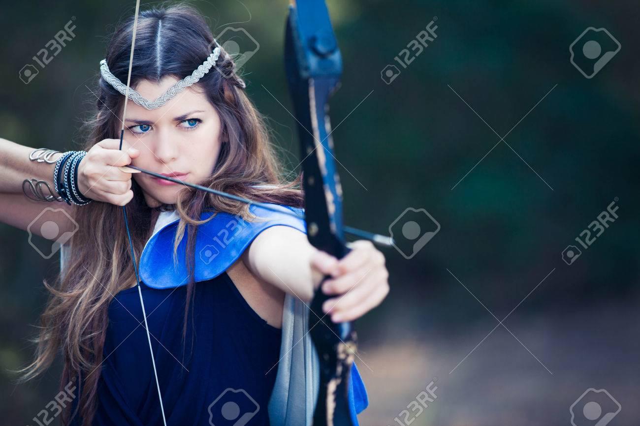 chica con arco