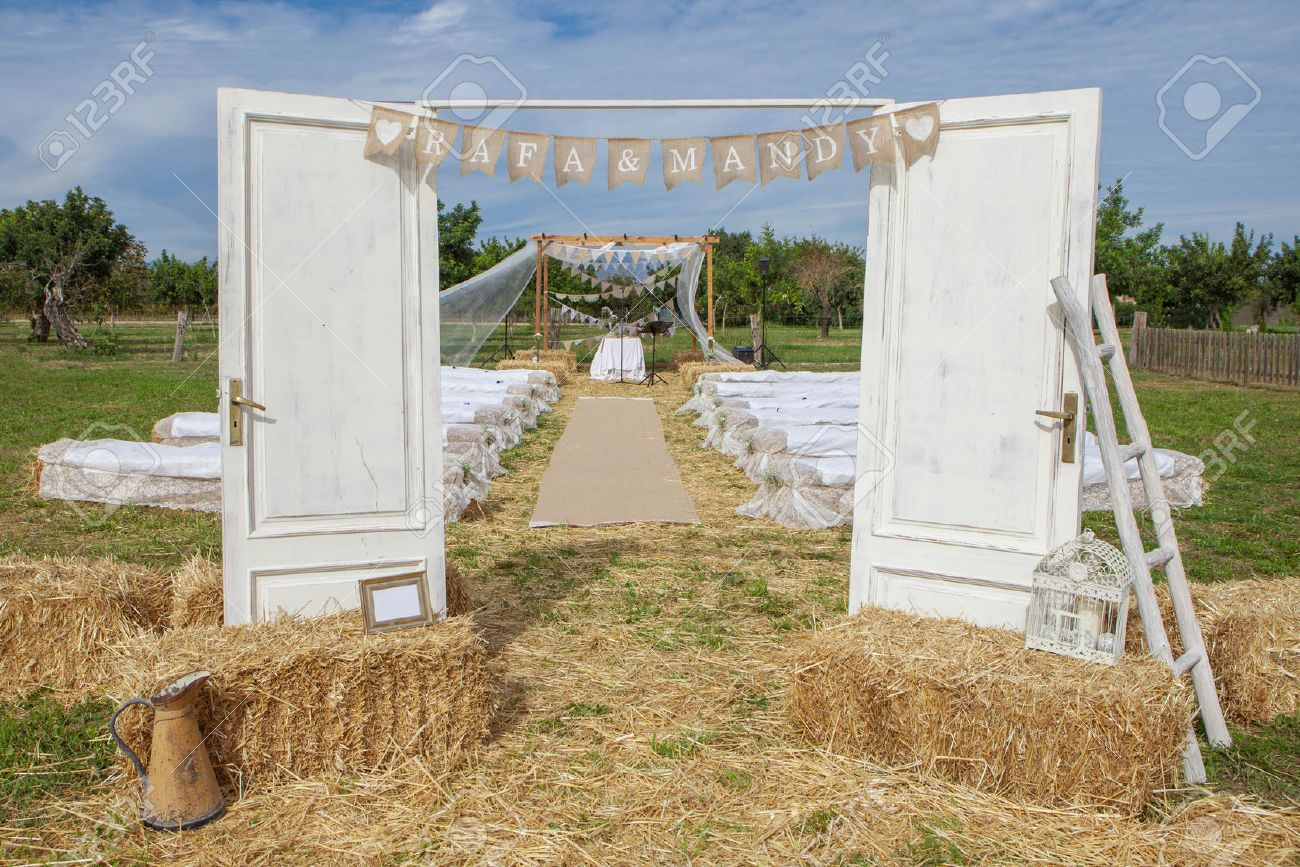 outdoor rural country wedding venue setting - 53040401