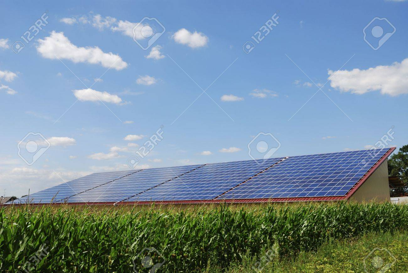 Alternative energy with photovoltaic cells Stock Photo - 7555407