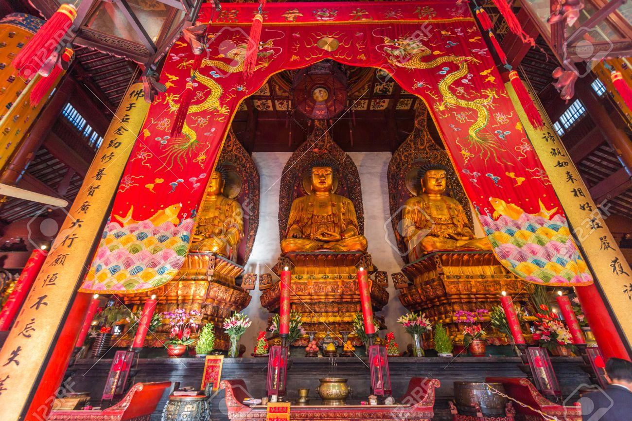 上海玉仏寺の仏像。Huigen をと...