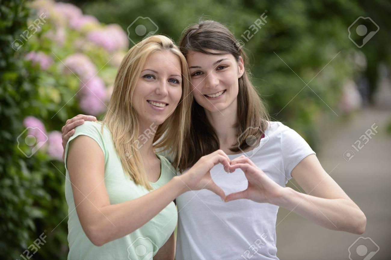Фото с лесбиянками 12 фотография
