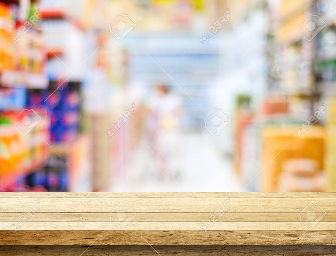 Leere Tabelle über Unschärfe Supermarkt Mit Bokeh Hintergrund ...