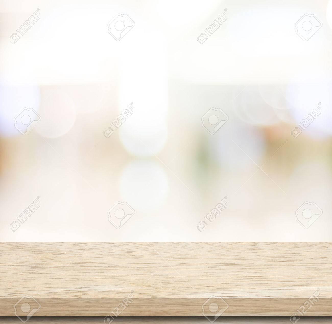 Leere Tabelle Und Verschwommene Geschäft Mit Bokeh Hintergrund ...