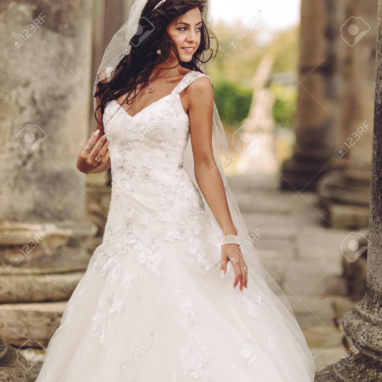 Old Fashioned Wedding Dresses For Young Brides Inspiration - Wedding ...