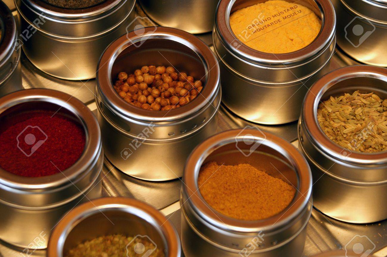 An organized chef knows where to look for seasoning. - 2665164