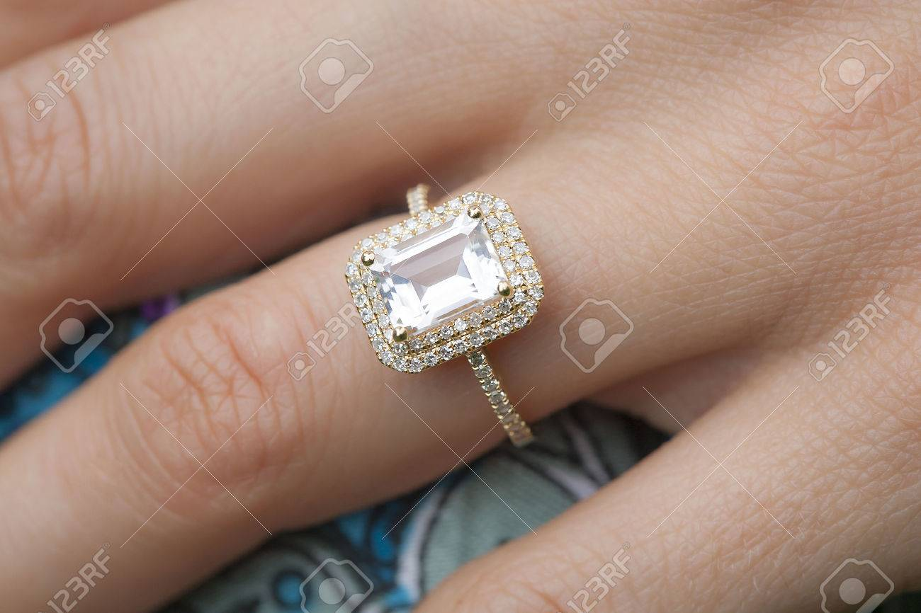 Engagement Ring Images & Stock Pictures. Royalty Free Engagement ...