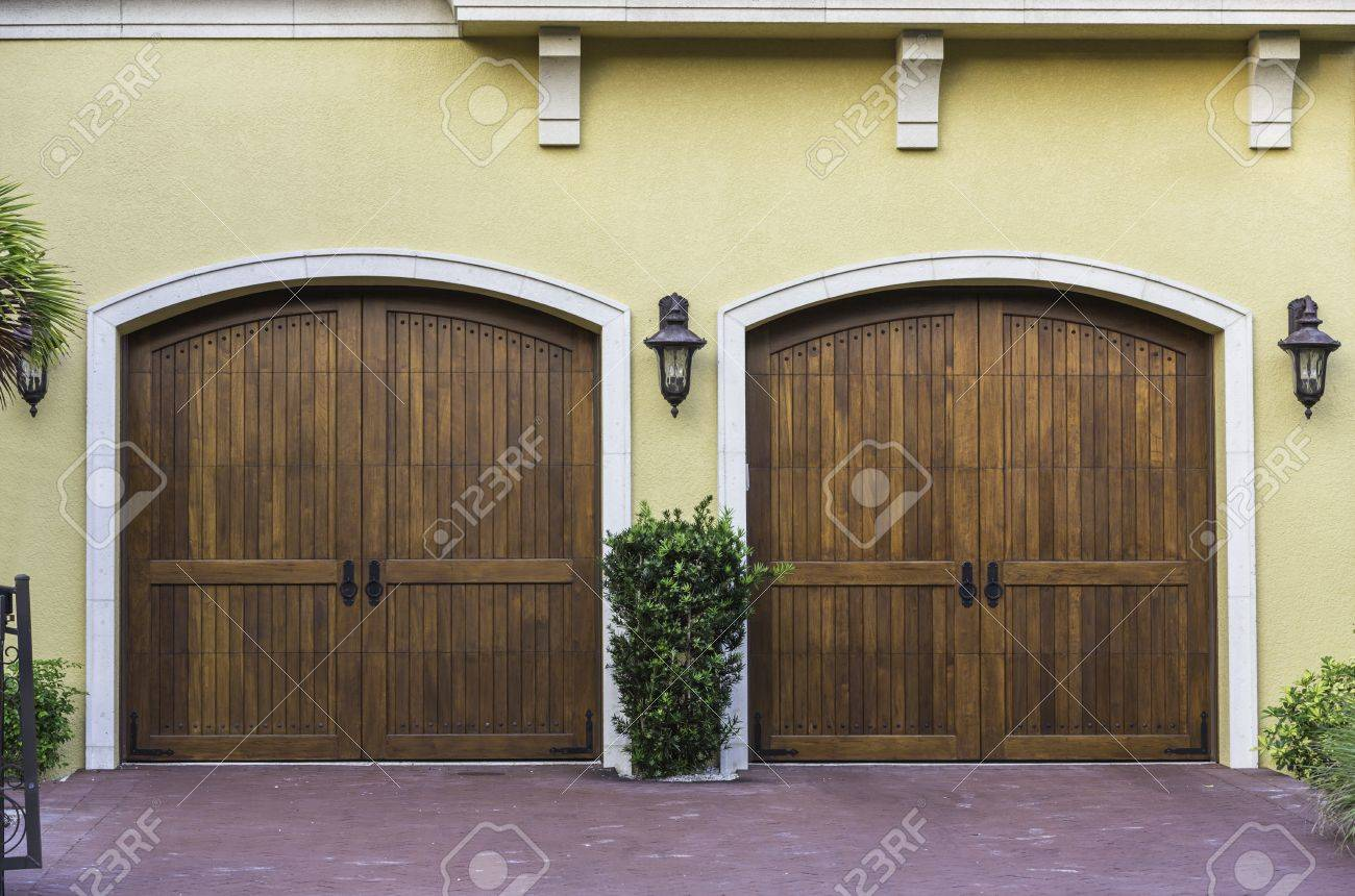 Two car wooden arch garage in South Florida Stock Photo - 18957659