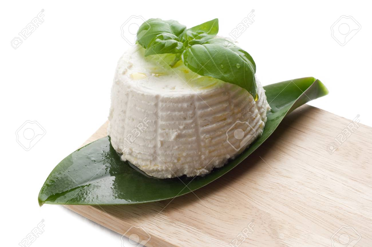 ricotta and basil Stock Photo - 10428656