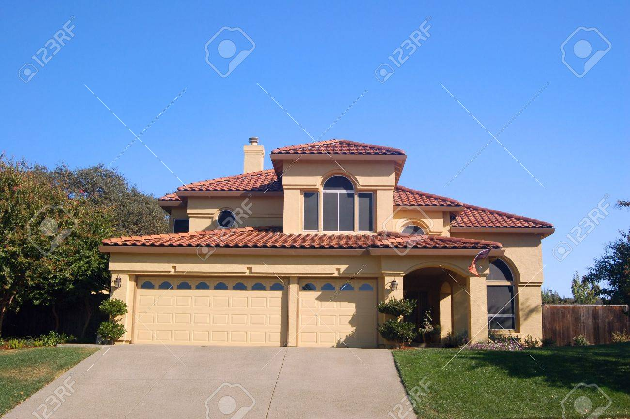 house in the suburbs Stock Photo - 334729