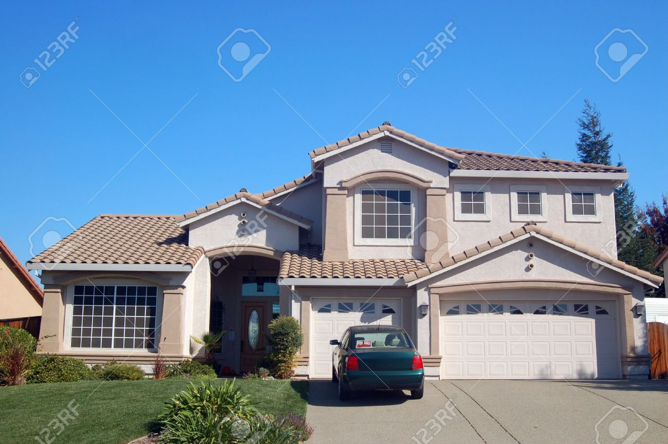 house in the suburbs Stock Photo - 335865