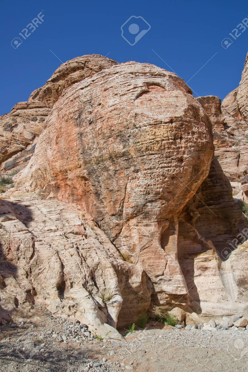 eerie rock formations in Red Rock Canyon, Nevada Stock Photo - 18704826