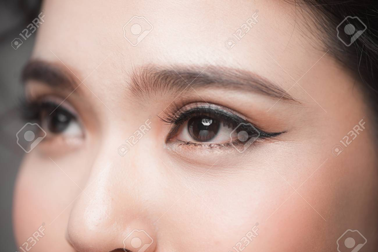 b8734a46082 Asian model eye close-up with long eyelashes. Selective focus Stock Photo -  115695773