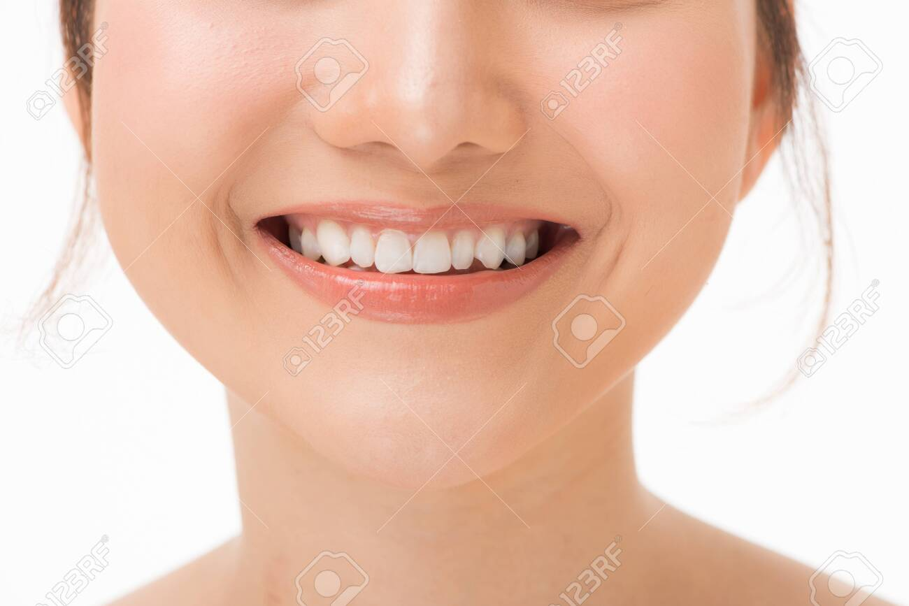 Beautiful smile with healthy teeth, close-up - 133760680