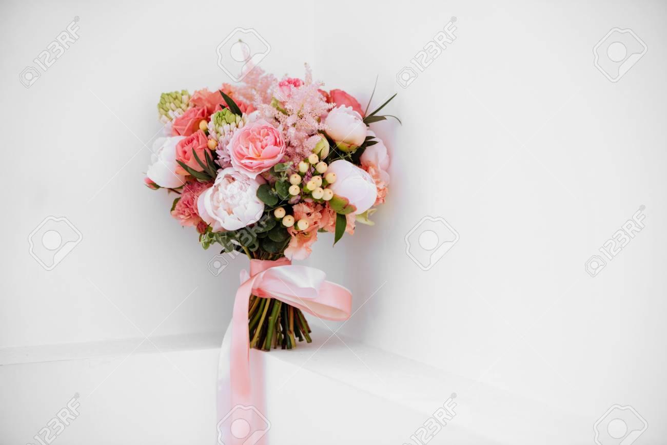 wedding flowers bridal bouquet closeup ロイヤリティーフリーフォト