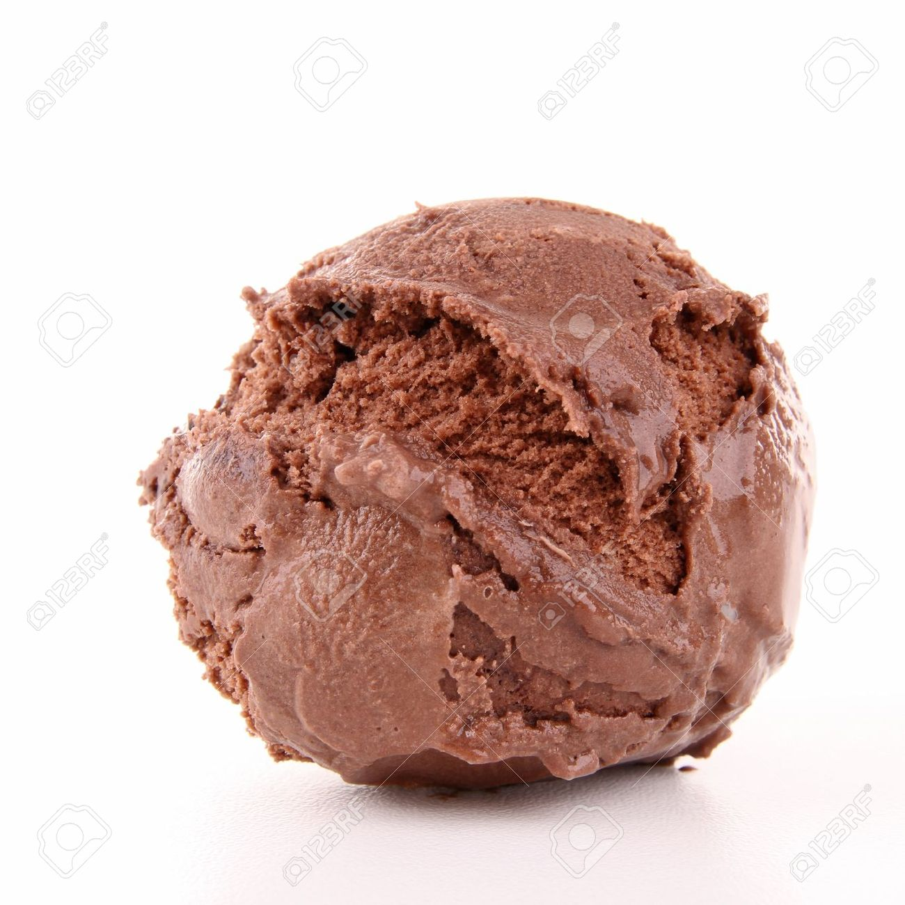 isolated scoop of ice cream Stock Photo - 12616289