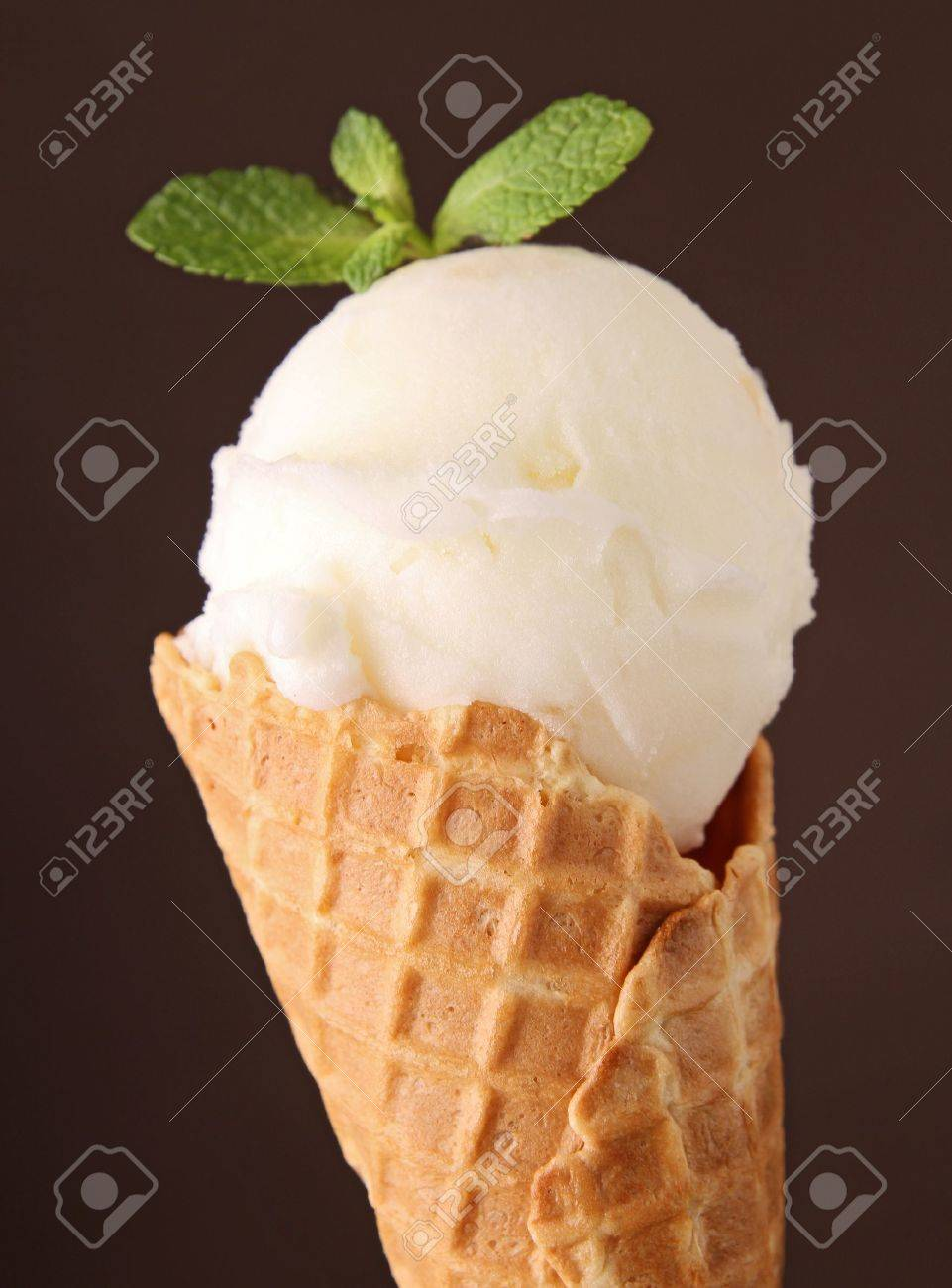 ice cream in cone Stock Photo - 13057951