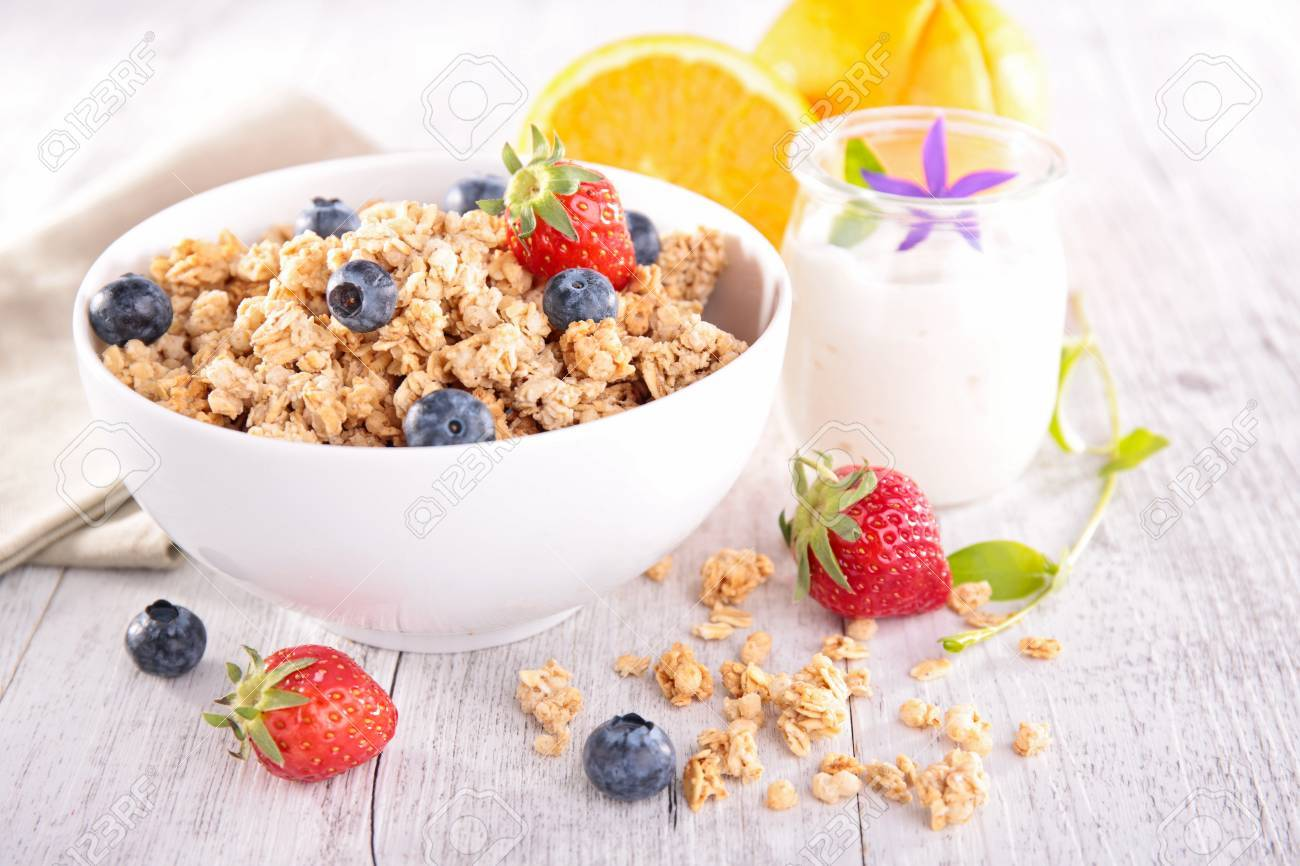bowl of muesli with berries fruits - 40169810