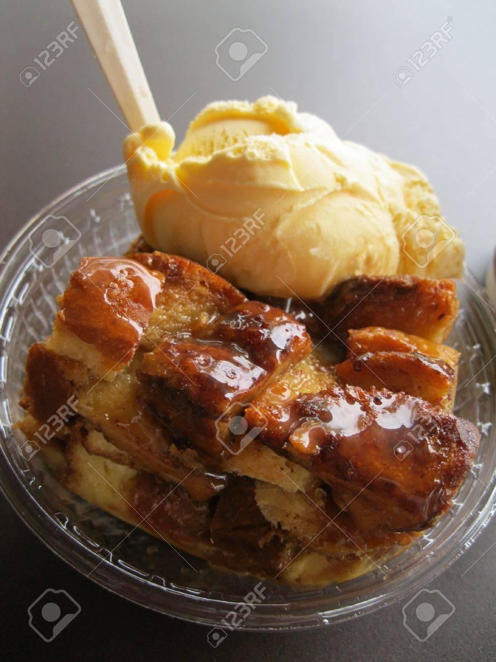 Bread pudding Stock Photo - 9624273