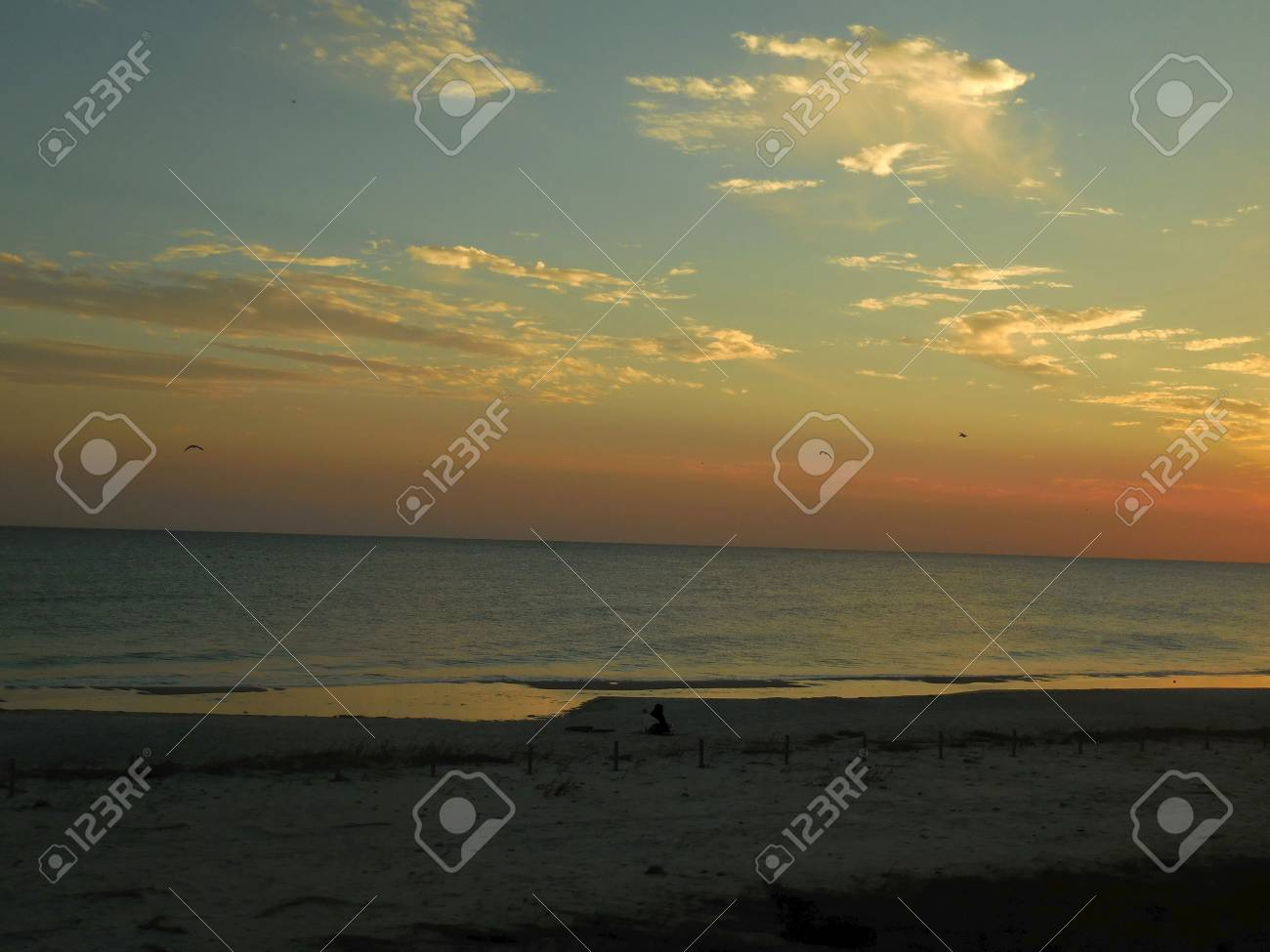 Sunset at the beach Stock Photo - 75202079