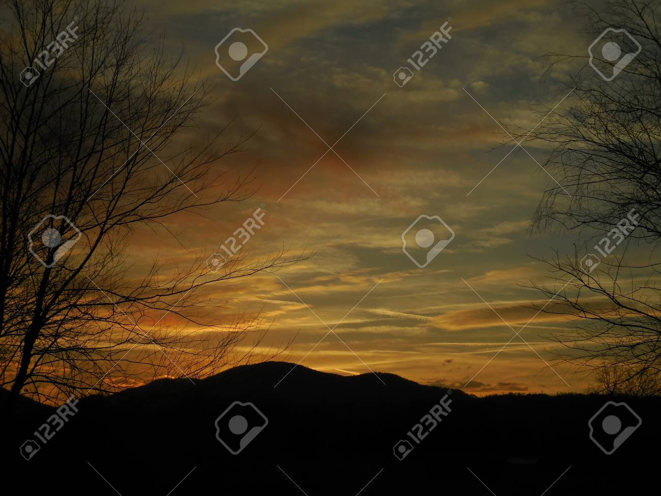 Sunrise in the mountains Stock Photo - 79038000