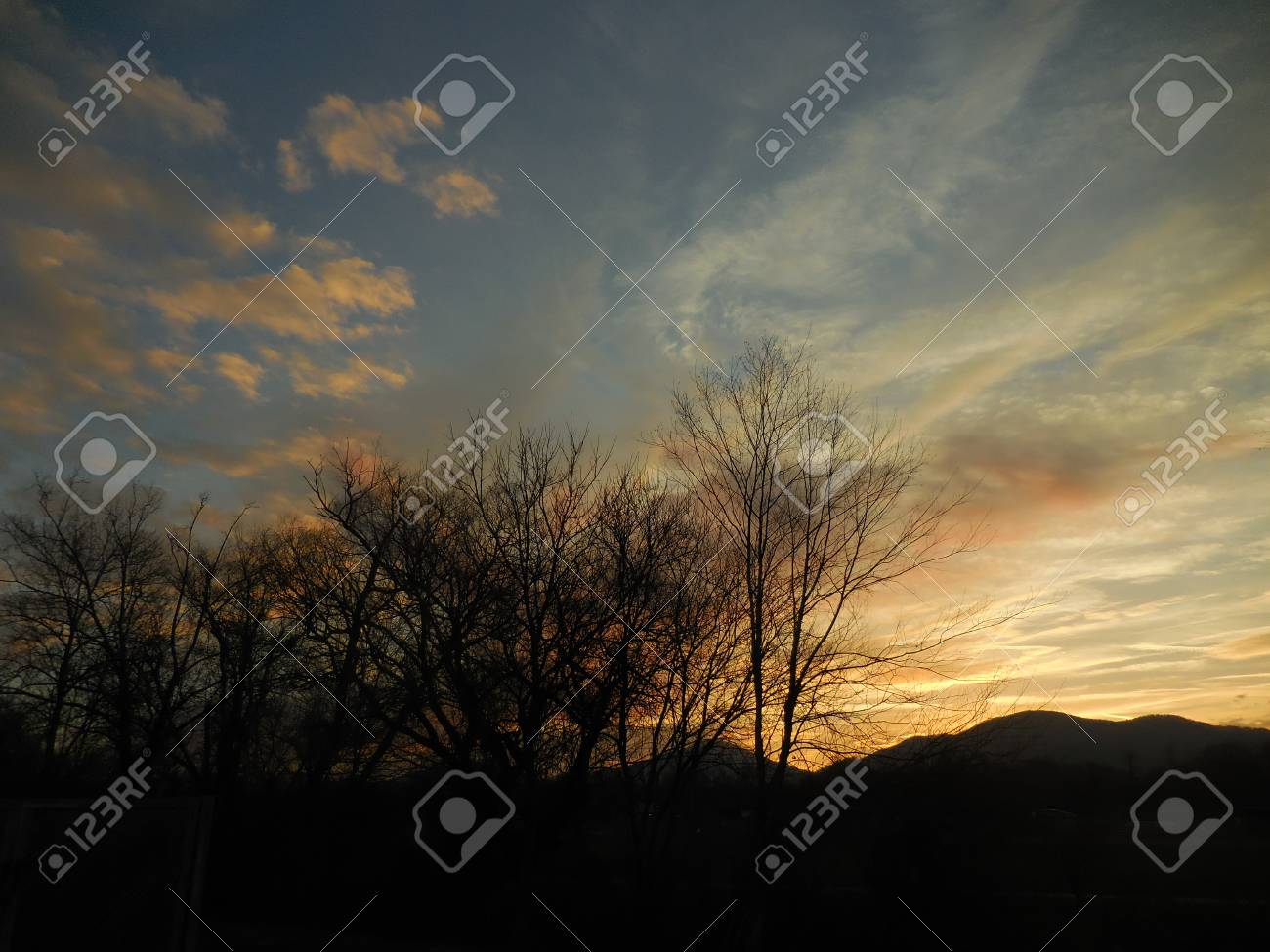 Sunrise in the mountains Stock Photo - 79150032