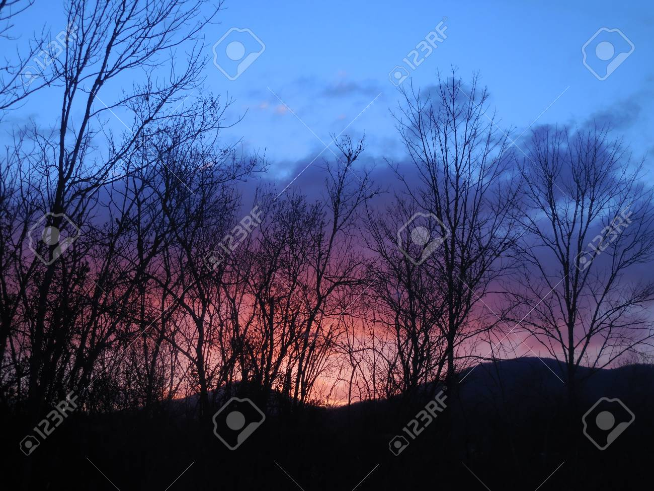 Sunrise in the mountains Stock Photo - 79128423